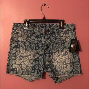 NWT Kut from the Kloth Fray Shorts